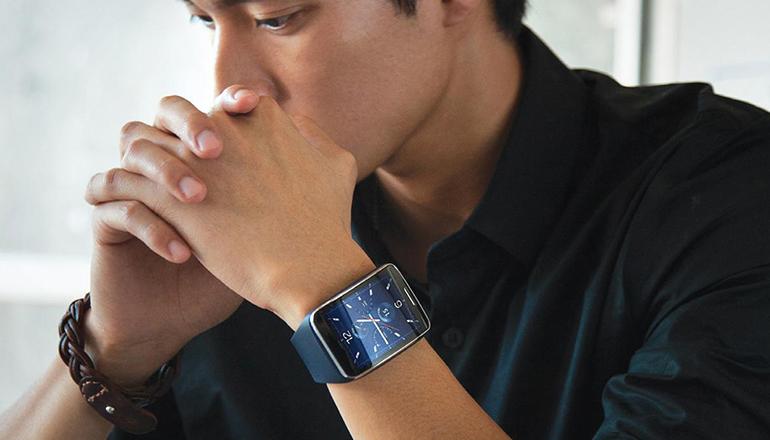 Gear S - эволюция мобильного общения в революционном дизайне
