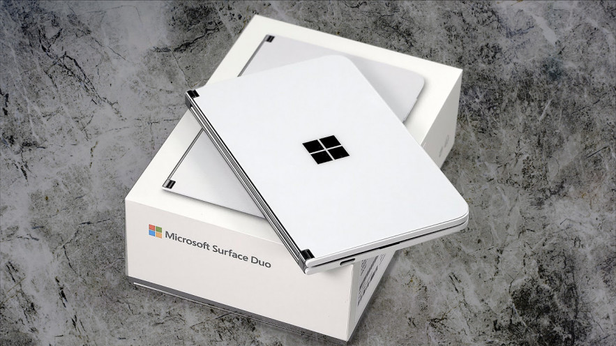 Surface Duo. Один смартфон. Два экрана